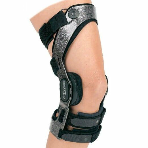 Donjoy eXtreme Armor Knee Brace